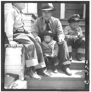 residents of japanese ancestry waiting Oak Street ca